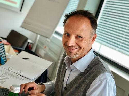 """Ein Teilnehmer im Seminar """"Schreiben für digitale Medien"""" von Udo Taubitz"""
